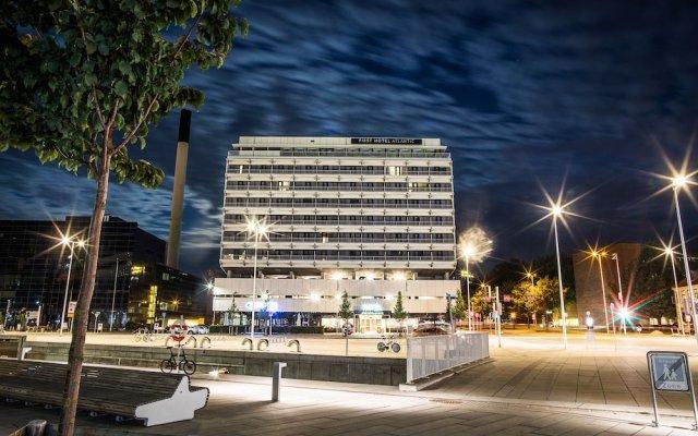 Отель First Hotel Atlantic Дания, Орхус - отзывы, цены и фото номеров - забронировать отель First Hotel Atlantic онлайн вид на фасад
