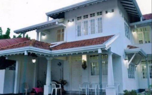 Отель Asiri apartments Шри-Ланка, Негомбо - отзывы, цены и фото номеров - забронировать отель Asiri apartments онлайн вид на фасад