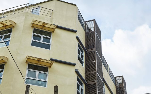 Отель Au Bon Hostel Таиланд, Бангкок - отзывы, цены и фото номеров - забронировать отель Au Bon Hostel онлайн вид на фасад