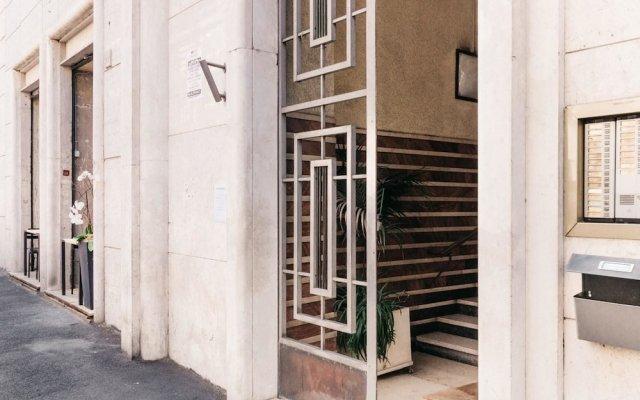 Отель Adriano Augusto B&B вид на фасад