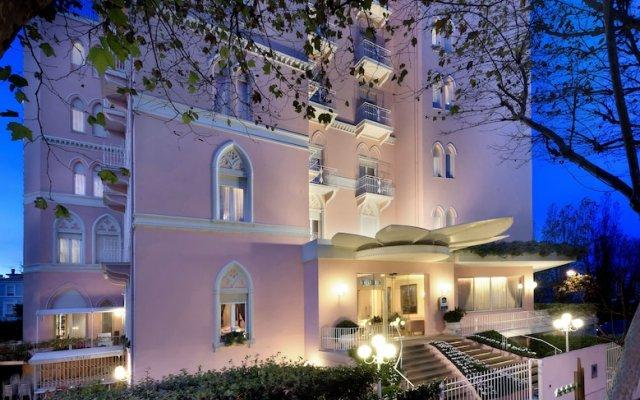 Отель Milton Rimini Италия, Римини - 2 отзыва об отеле, цены и фото номеров - забронировать отель Milton Rimini онлайн балкон