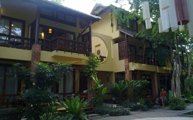 Отель Baan Talay Dao вид на фасад
