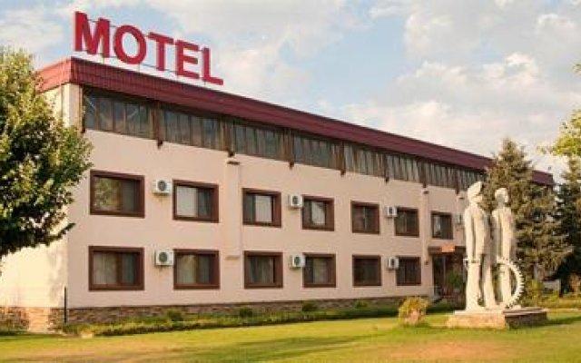 Отель Motel Maritsa Болгария, Димитровград - отзывы, цены и фото номеров - забронировать отель Motel Maritsa онлайн вид на фасад