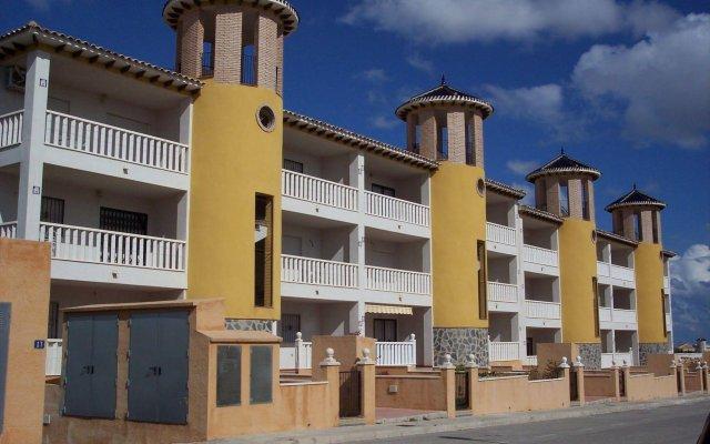 Отель Playa Golf Villas Ориуэла вид на фасад
