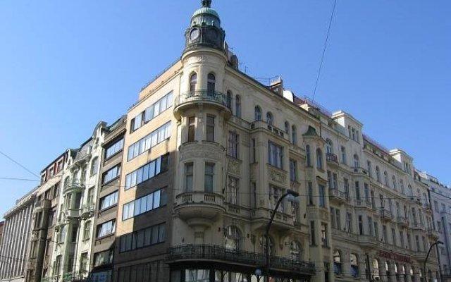 Апартаменты Old Town Residence Apartments вид на фасад