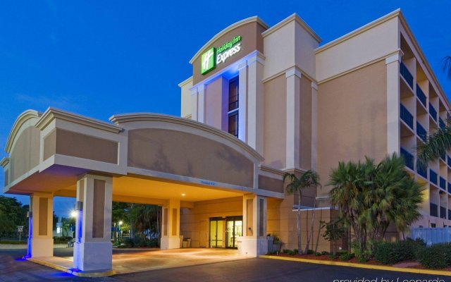 holiday inn express cape coral fort myers area cape coral united rh zenhotels com