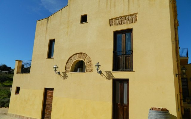 Отель Agriturismo Passo dei Briganti Агридженто вид на фасад