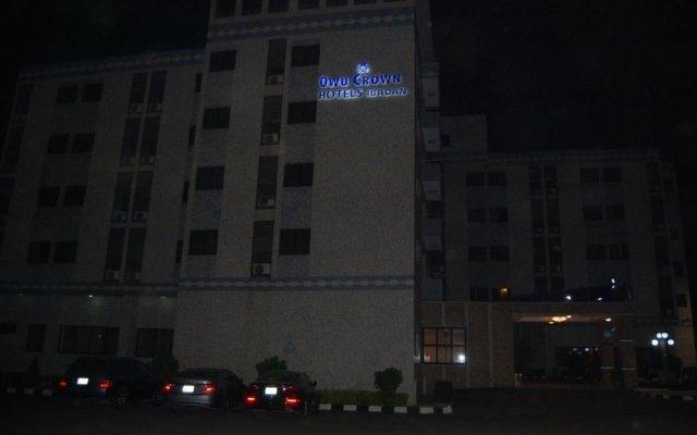 Owu Crown Hotel