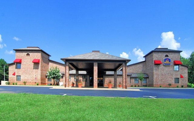 Отель Best Western Auburn/Opelika Inn США, Опелика - отзывы, цены и фото номеров - забронировать отель Best Western Auburn/Opelika Inn онлайн вид на фасад