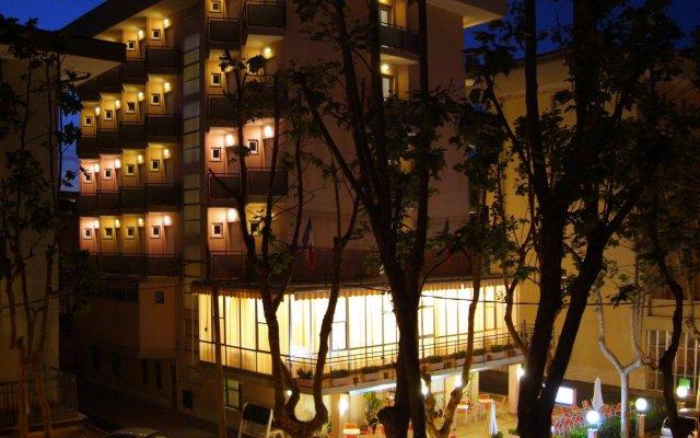 Отель Euromar Римини вид на фасад