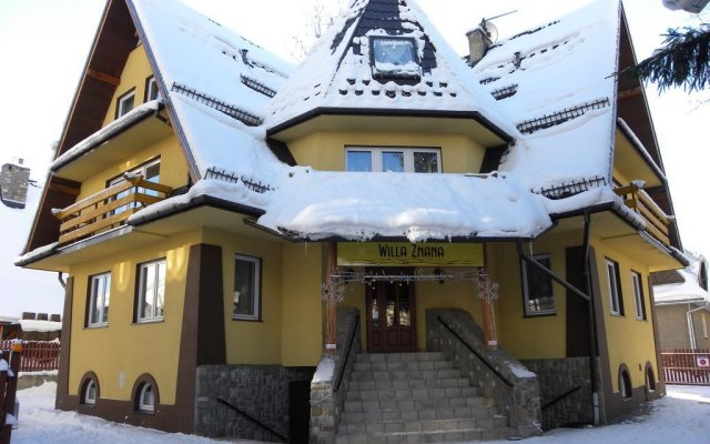 Отель Willa Znana Zakopane вид на фасад