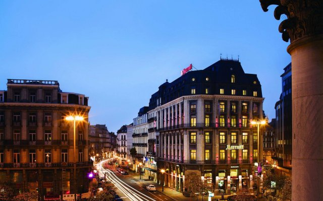 Brussels Marriott Hotel Grand Place вид на фасад