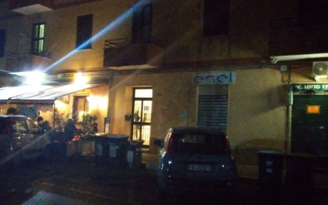 Отель Adriatic Room Ciampino вид на фасад