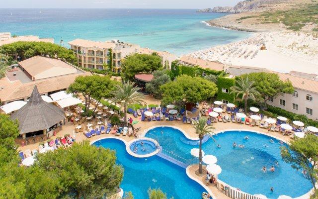 Отель VIVA Cala Mesquida Resort & Spa пляж