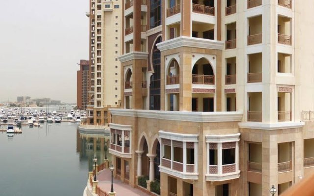 Апартаменты Dubai Stay - Palm Views East Studio Apartment вид на фасад