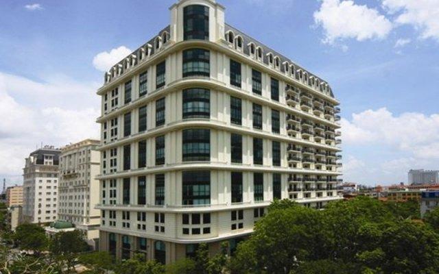 Апартаменты Pacific Place Serviced Apartment вид на фасад