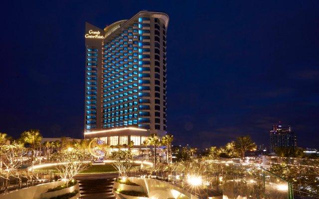 Отель Grande Centre Point Pattaya Паттайя вид на фасад