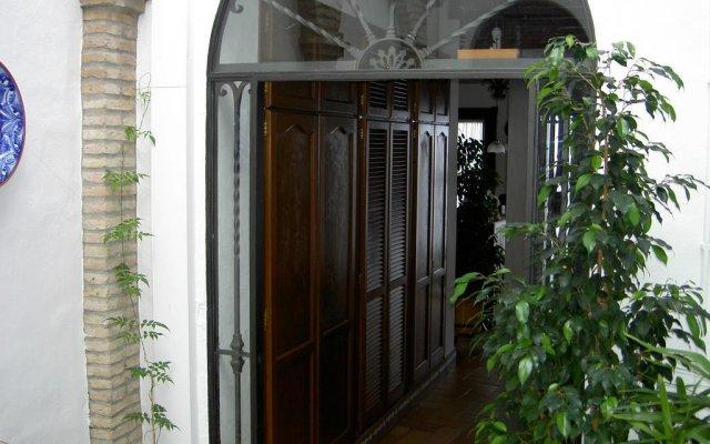 Отель Hostal Santa Catalina Испания, Кониль-де-ла-Фронтера - отзывы, цены и фото номеров - забронировать отель Hostal Santa Catalina онлайн вид на фасад