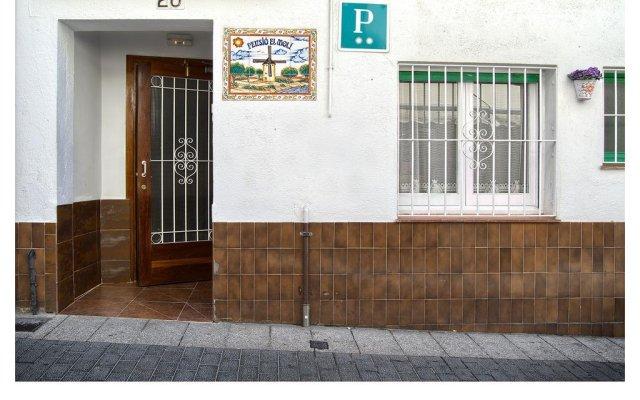 Отель Pensio El Moli Испания, Льорет-де-Мар - отзывы, цены и фото номеров - забронировать отель Pensio El Moli онлайн вид на фасад