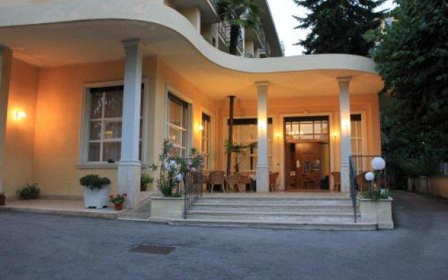 Hotel Reale Фьюджи вид на фасад