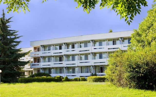 Отель Панорама Болгария, Албена - отзывы, цены и фото номеров - забронировать отель Панорама онлайн вид на фасад