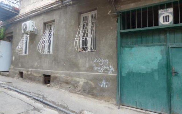 Отель Tbilisi Guest House вид на фасад