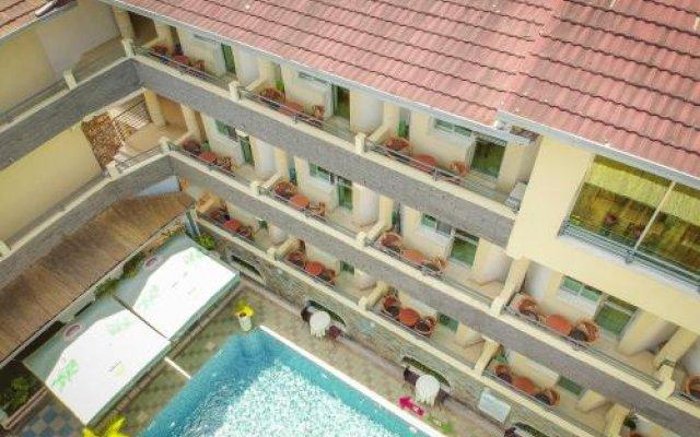 City Hill Hotel вид на фасад