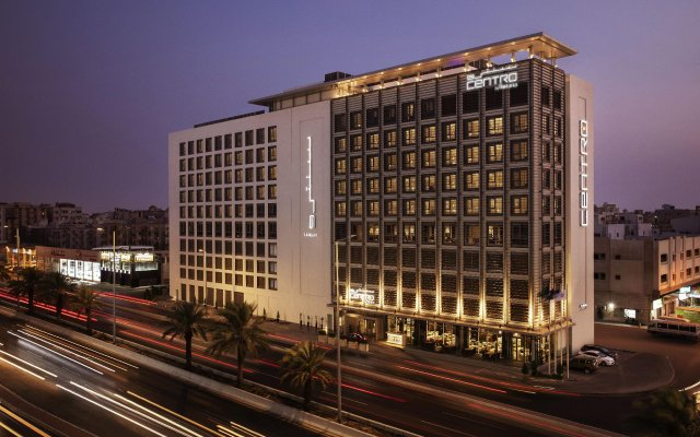 Отель Centro Salama Jeddah by Rotana вид на фасад