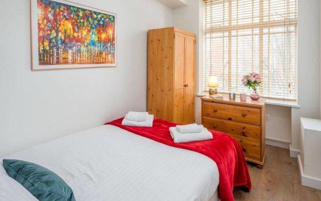 Отель 2 bed in Amazing West London Location Великобритания, Лондон - отзывы, цены и фото номеров - забронировать отель 2 bed in Amazing West London Location онлайн вид на фасад