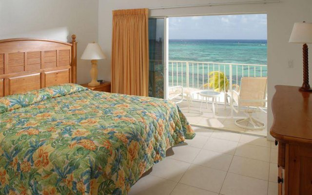 Castaways Cayman Beach Resort