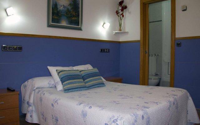 Отель Hospedaje Irune Сан-Себастьян комната для гостей