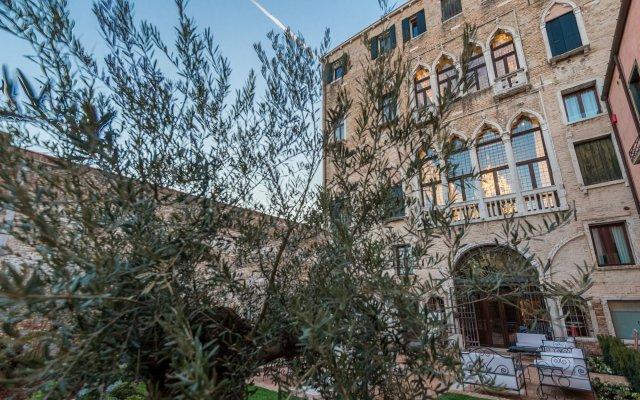 Отель Nani Mocenigo Palace Италия, Венеция - отзывы, цены и фото номеров - забронировать отель Nani Mocenigo Palace онлайн вид на фасад