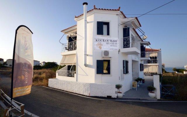 Отель Koukounari Apartments Греция, Агистри - отзывы, цены и фото номеров - забронировать отель Koukounari Apartments онлайн вид на фасад
