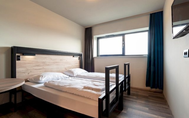 Отель Wolfgang's managed by a&o Австрия, Зальцбург - отзывы, цены и фото номеров - забронировать отель Wolfgang's managed by a&o онлайн комната для гостей