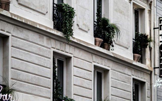 Отель Le Pigalle вид на фасад