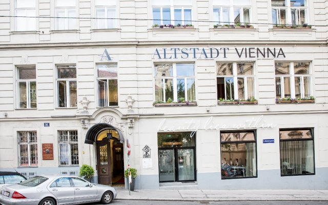 Small Luxury Hotel Altstadt Vienna вид на фасад