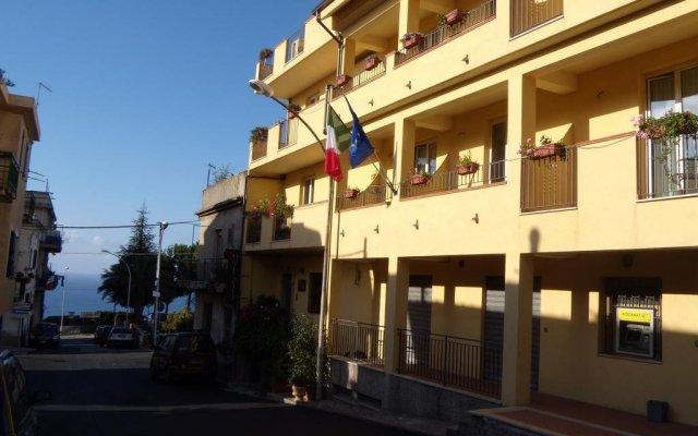 Hotel Scilla вид на фасад