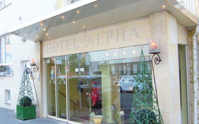 Hotel Alpha вид на фасад