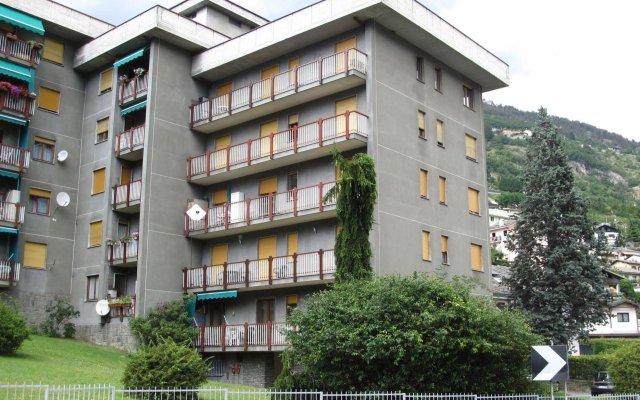 Апартаменты Aosta Belvedere Apartment Аоста вид на фасад