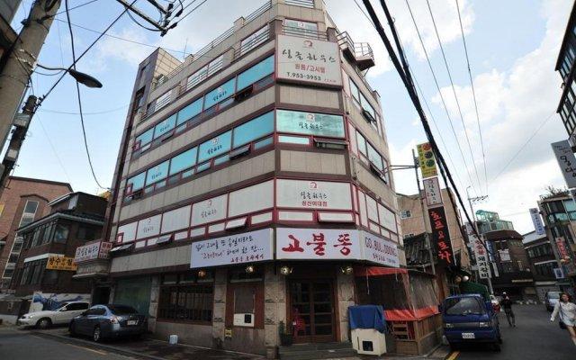 Отель Single House вид на фасад