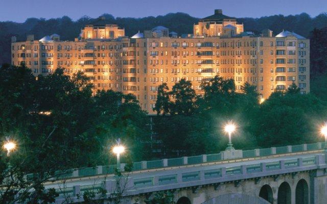 Отель Omni Shoreham Hotel США, Вашингтон - отзывы, цены и фото номеров - забронировать отель Omni Shoreham Hotel онлайн вид на фасад