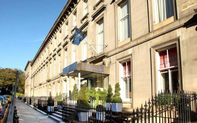 Отель Edinburgh Grosvenor Hotel Великобритания, Эдинбург - отзывы, цены и фото номеров - забронировать отель Edinburgh Grosvenor Hotel онлайн вид на фасад