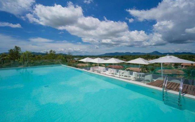 Отель Oceanstone бассейн