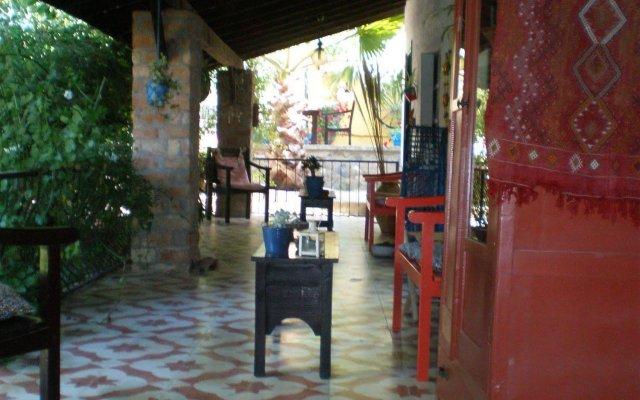 Bakkhos Guesthouse Pansiyon