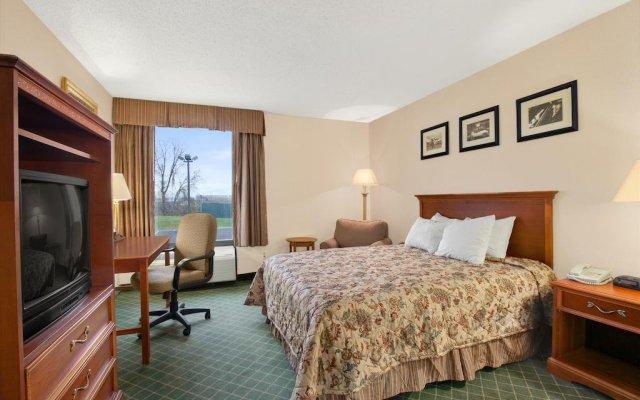 Отель Days Inn Columbus Airport США, Колумбус - отзывы, цены и фото номеров - забронировать отель Days Inn Columbus Airport онлайн комната для гостей