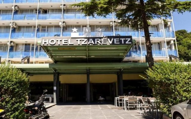 Tsarevets Hotel вид на фасад