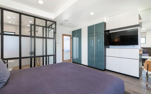 2br/2.5ba Hollywood Smart W/ Outdoor Hot Tub 2 Bedroom Home