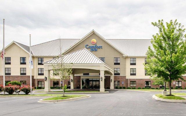 Отель Comfort Inn Louisville вид на фасад