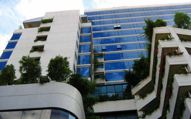 Отель Four Wings Бангкок вид на фасад
