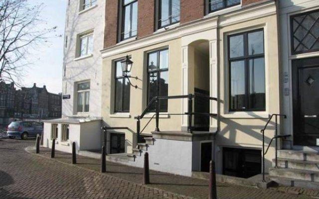 Отель Amsterdam Canal Guest Apartment Нидерланды, Амстердам - отзывы, цены и фото номеров - забронировать отель Amsterdam Canal Guest Apartment онлайн вид на фасад